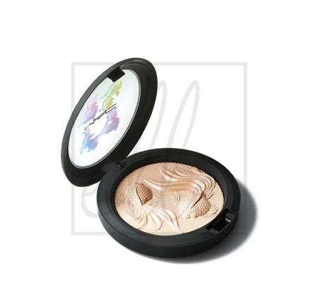 Mac double gleam extra dimension skinfinish